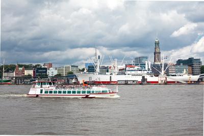 Die Elbe per Schiff erfahren