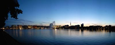 Hamburg Binnenalster in der Dämmerung
