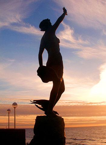 Skulptur am Meer