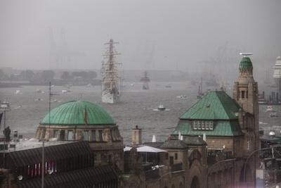 Hafengeburtstag bei Sturm und Regen