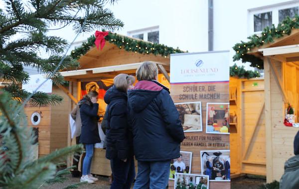 Weihnachtsmarkt auf dem historischen Gelände